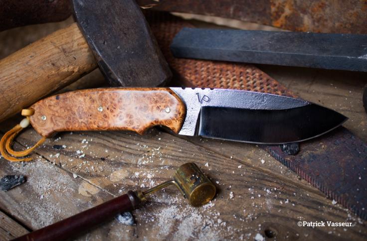 Couteau droit loupe d'amboine